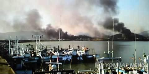 Triều Tiên nã đại bác vào Hàn Quốc, đốt cháy 60 nhà dân 20101123153218_b5