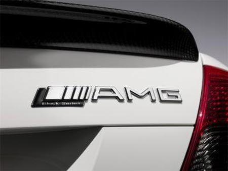 [Image: 20110129154030_Mercedes-C63-AMG11.jpg]