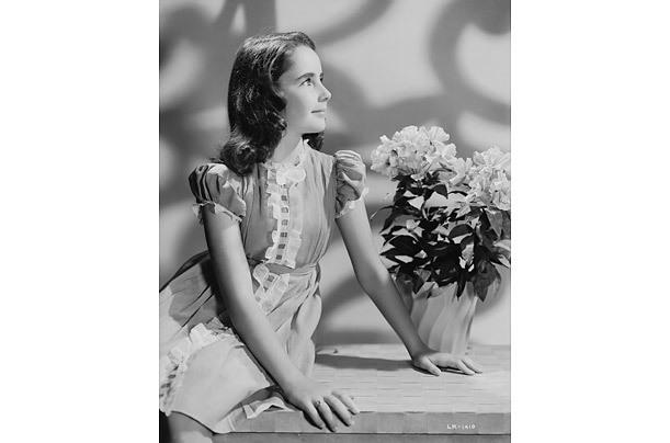 Elizabeth Taylor -một vẻ đẹp huyền thoại- 20110324120607_3