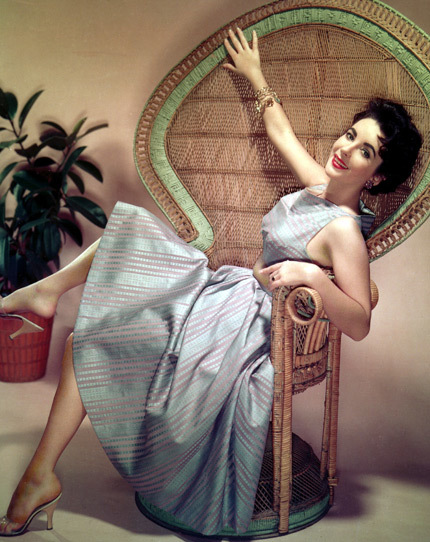 Elizabeth Taylor -một vẻ đẹp huyền thoại- 20110326145405_1