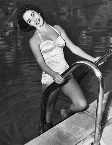 Elizabeth Taylor -một vẻ đẹp huyền thoại- 20110326145658_2