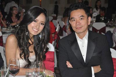 Rắc rối... chuyện tình các Hoa hậu Việt 20110513104233_hoa1