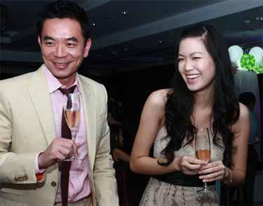 Rắc rối... chuyện tình các Hoa hậu Việt 20110513104245_hoa2