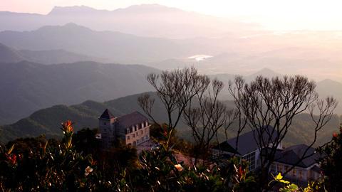 http://imgs.vietnamnet.vn/Images/2011/05/13/16/20110513163120_Ba-Na-1.jpg