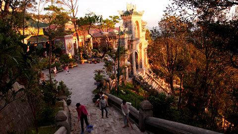 http://imgs.vietnamnet.vn/Images/2011/05/13/16/20110513163135_Ba-Na-3.jpg