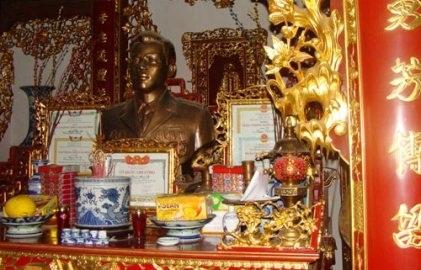 http://imgs.vietnamnet.vn/Images/2011/05/18/10/20110518105507_vang4.jpg