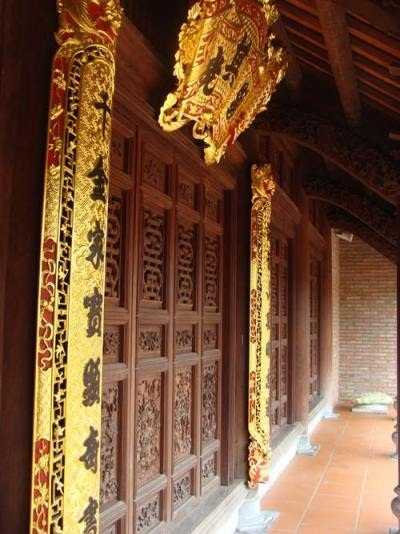 http://imgs.vietnamnet.vn/Images/2011/05/18/10/20110518105507_vang5.jpg