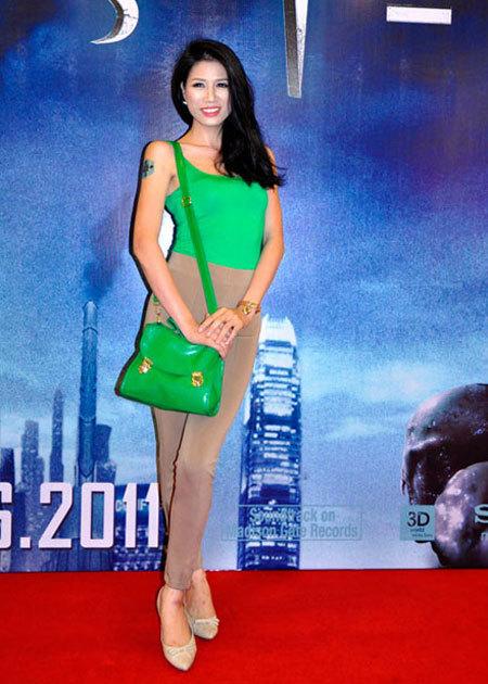 """Các kiểu quần """"siêu phản cảm"""" của Sao Việt"""