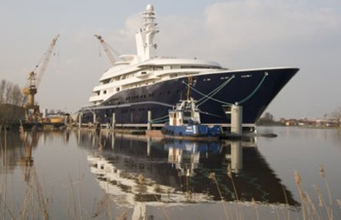 Tiểu vương Qatarsở hữu chiếc Al Mirqab, một trong những du thuyền lớn nhất thế              giới.