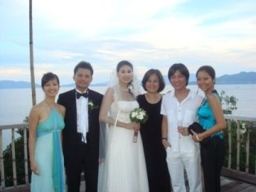 http://az24.vn/hoidap/hoa-hau-ha-kieu-anh-nam-nay-bao-nhieu-tuoi-d2259877.html