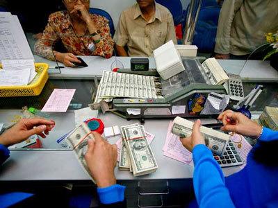 Bất ổn lãi suất, tỷ giá: Ứng phó nào cho DN Việt?