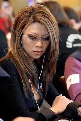 http://imgs.vietnamnet.vn/Images/2011/10/23/10/20111023102516_23poke5.jpg