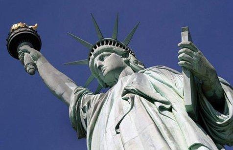 Tượng Nữ thần Tự do - biểu tượng của Hoa Kỳ.