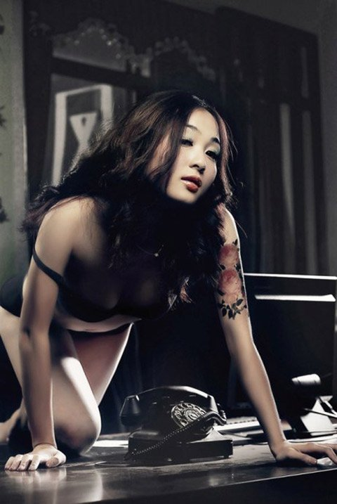 Sexy girl with the old phone » Asian Celeb/sexy girl