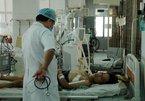 Vụ lật xe ở Lào: Còn 4 nạn nhân nguy kịch