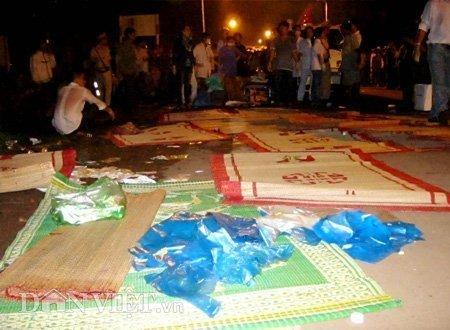 20120518085949 180512 thoi su tai nan 06 dan viet Toàn cảnh vụ tai nạn lật xe khách trên cầu 14 Sê rê pôc DakLak