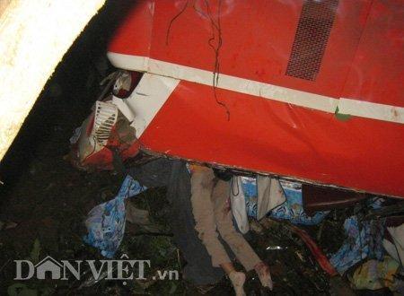 20120518085949 180512 thoi su tai nan 16 dan viet Toàn cảnh vụ tai nạn lật xe khách trên cầu 14 Sê rê pôc DakLak