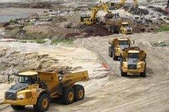 Mỏ sắt lớn nhất ĐNA: 'Đói vốn, bán lúa non'