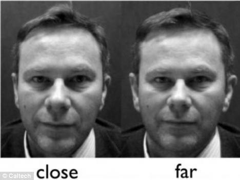 Nghiên cứu cho thấy những bức ảnh chụp quá gần khiến người trông kém hấp dẫn và không đáng tin cậy