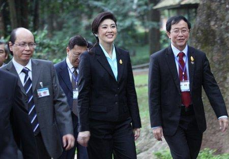 Nữ Thủ tướng Thái Lan mua sắm ở Hà Nội (2)
