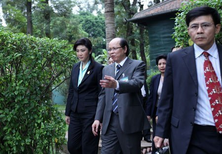 Nữ Thủ tướng Thái Lan mua sắm ở Hà Nội (5)