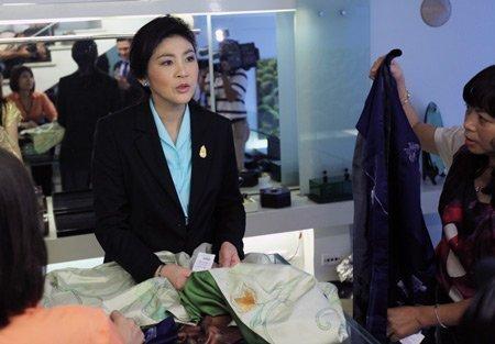 Nữ Thủ tướng Thái Lan mua sắm ở Hà Nội (15)