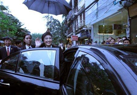 Nữ Thủ tướng Thái Lan mua sắm ở Hà Nội (17)