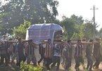 Hình ảnh khác lạ tại tang lễ 'vua săn voi' A Ma Kông