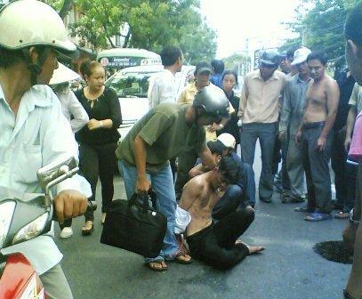 Tội phạm đường phố - nỗi kinh hoàng ở TP.HCM, hiện dân đang trông chờ vào  lực lượng 141 TP.HCM