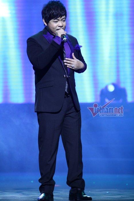 Quang Lê đến trễ trong đêm nhạc Chào năm mới 2013