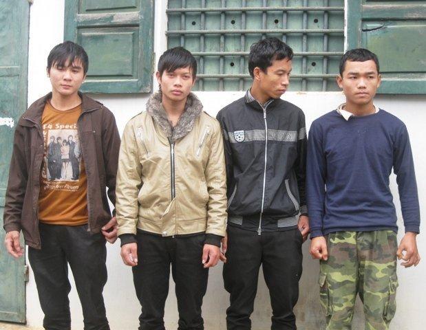 Thanh niên làng cướp xe tải 01