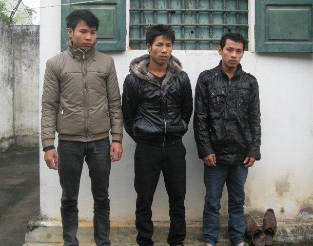 Thanh niên làng cướp xe tải 02