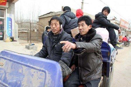 Tiêu điểm - Người Trung Quốc cưỡi lừa, đi bộ về quê ăn tết (Hình 7).