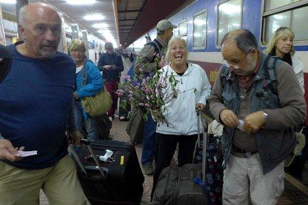 Xã hội - Bộ trưởng Thăng chúc Tết trên chuyến tàu cuối năm (Hình 3).