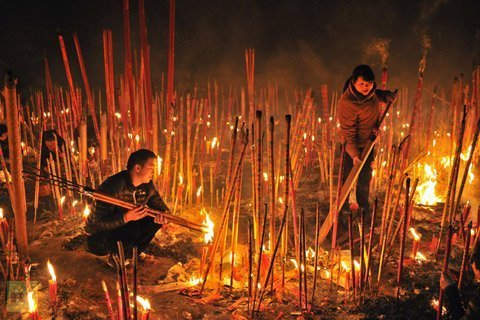 Tiêu điểm - Cảnh hương khói nghi ngút đầu năm ở châu Á (Hình 2).