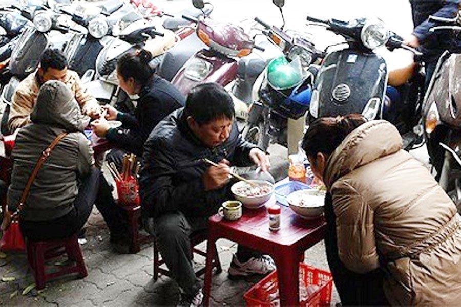 AFP chê người bán phở Hà Nội thô lỗ