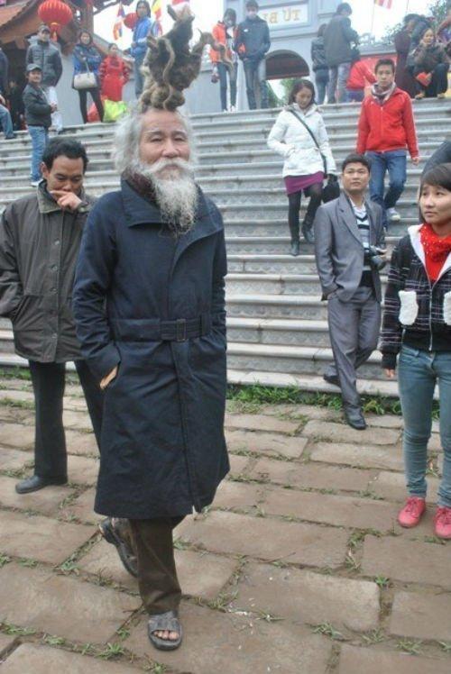'Dị nhân' tóc búi hình rồng bất ngờ xuất hiện ở hội Lim ảnh 5