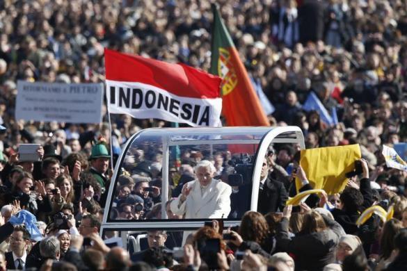Tiêu điểm - Giáo hoàng Benedict chia tay trước 'biển người' (Hình 4).