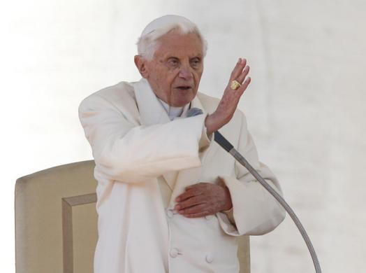 Tiêu điểm - Giáo hoàng Benedict chia tay trước 'biển người' (Hình 12).