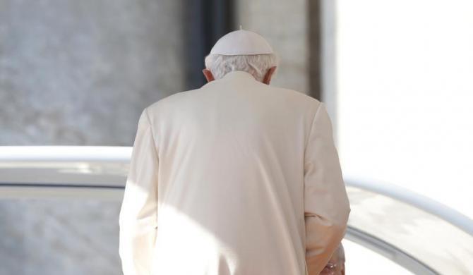 Tiêu điểm - Giáo hoàng Benedict chia tay trước 'biển người' (Hình 15).