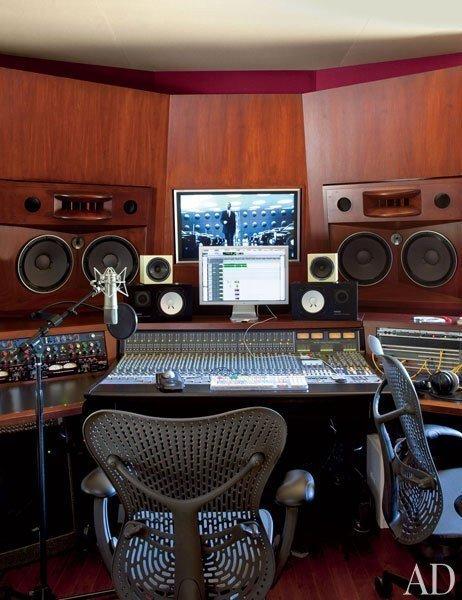20130315093131_item14.rendition.slideshowWideVertical.will-jada-pinkett-smith-home-15-recording-studio