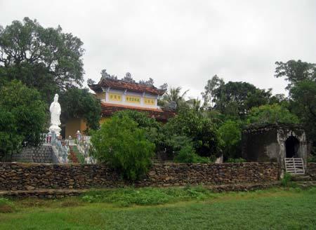 chùa Đá Trắng, Cần Vương, Phú Yên