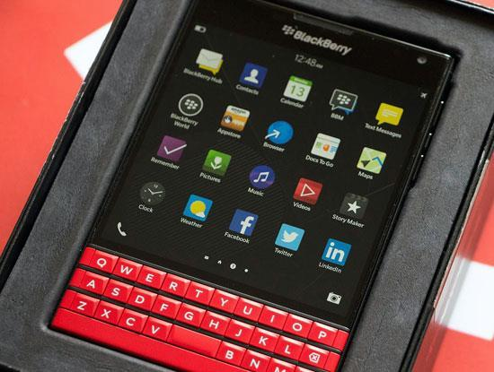 BlackBerry Passport giảm giá 10%, ra thêm màu đỏ