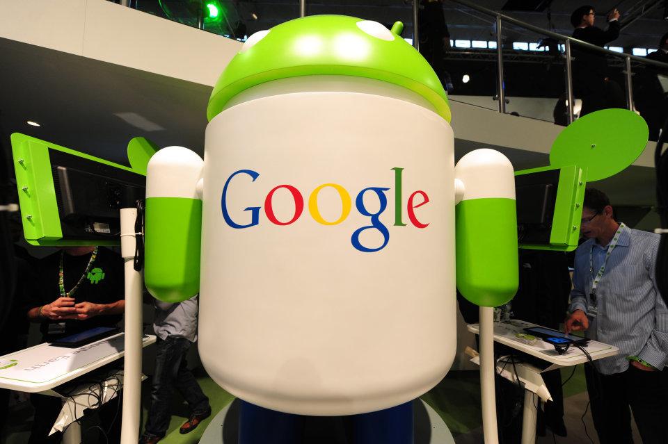 Google kiếm bộn từ di động và YouTube - 1