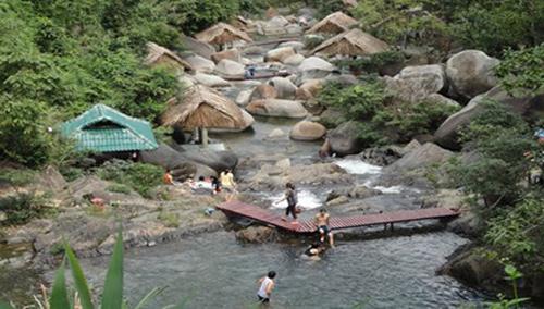 Phù phép đất rừng thành khu du lịch