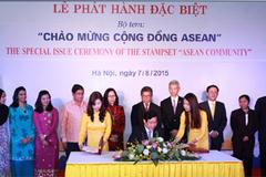 """Phát hành bộ tem """"Chào mừng Cộng đồng ASEAN"""""""