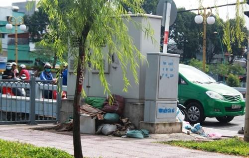 'Bẫy' nguy hiểm bên dòng kênh đẹp nhất Sài Gòn - 9