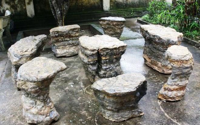 Bàn ghế độc, giá 'khủng', Việt Nam