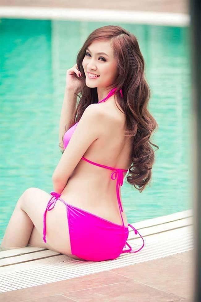 Hấp dẫn như dàn hot girl Việt mặc áo tắm và nội y