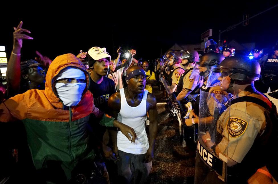 tình trạng khẩn cấp, bạo lực, Ferguson